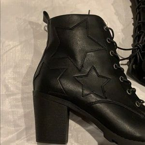 XOXO Shoes - Black Boots